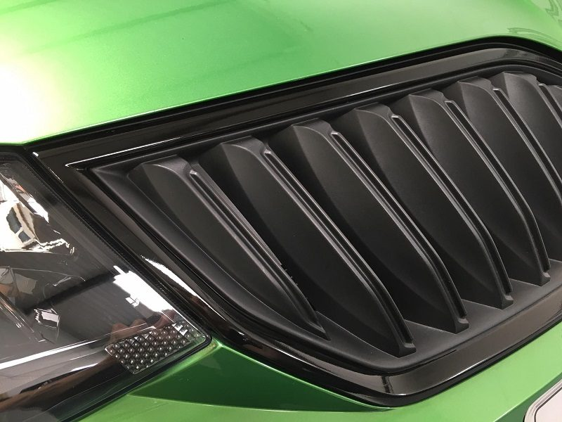 Gloss Black Grill Wrap
